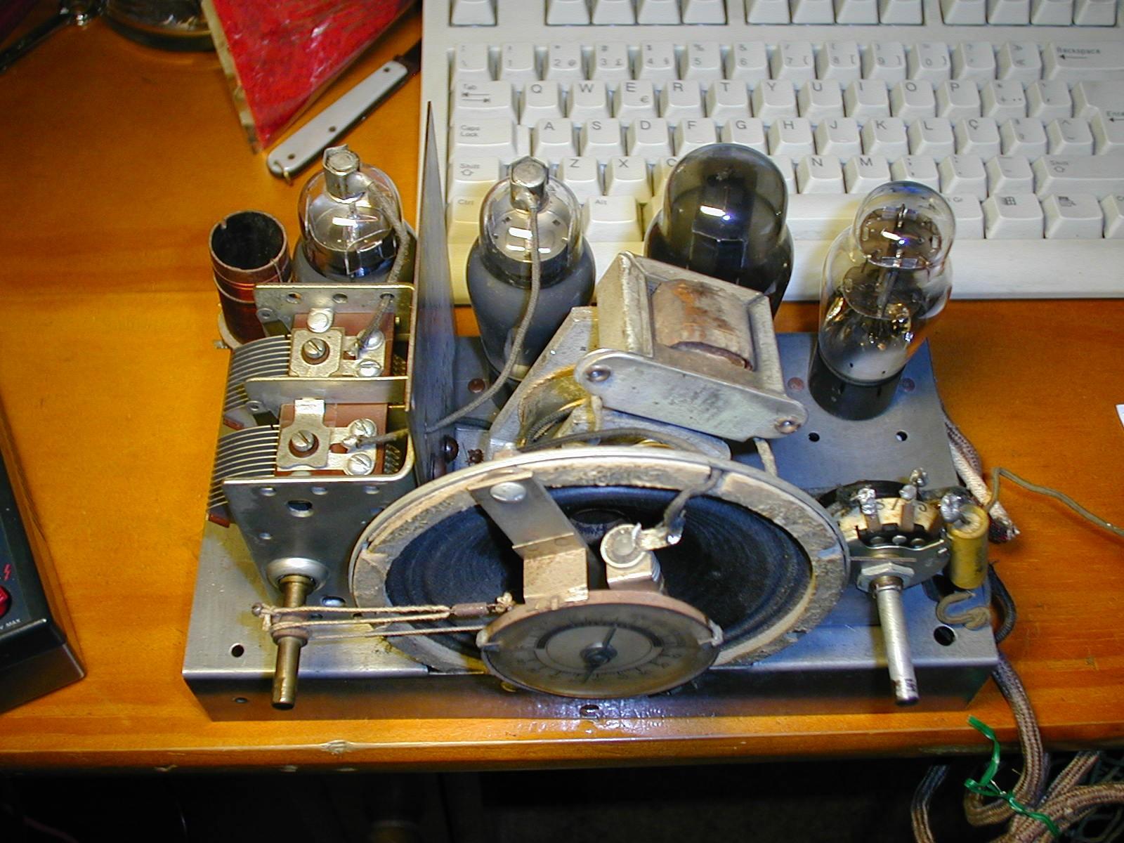 Rádio da Emissora Nacional chassis