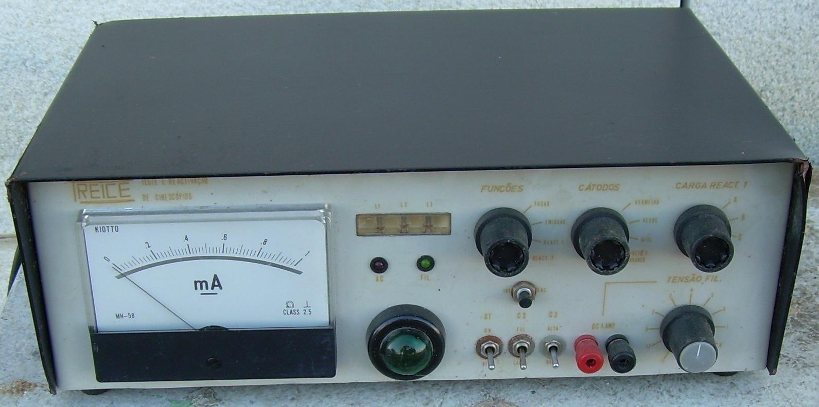 Alguém me pode ajudar a utilizar este aparelho? Obrigado