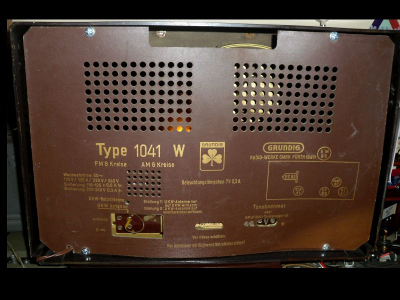 Outra foto do Rádio GRUNDIG 1041W