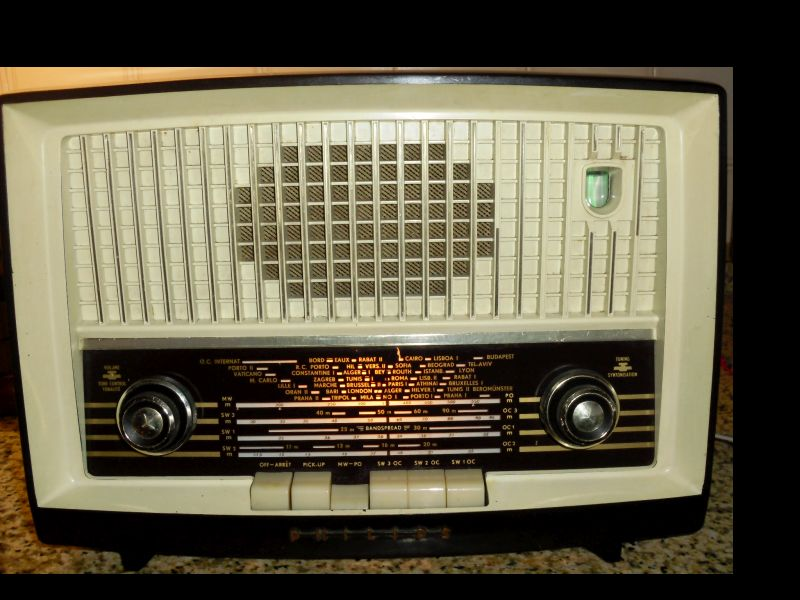 Rádio PHILIPS Type  B4X76A/01