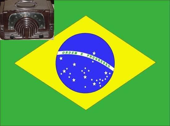 Bandeira do Brasil com um rádio no canto