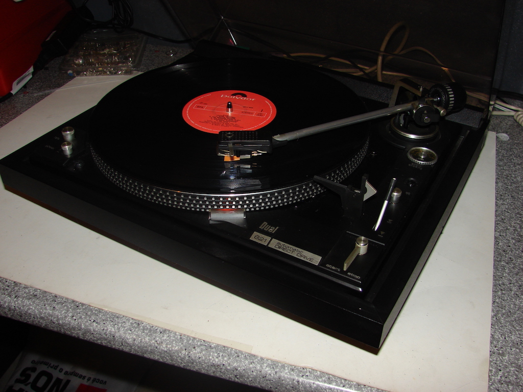 Gira-discos Dual