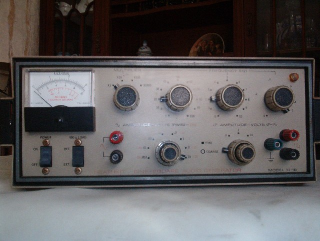 Heathkit IG-18 Sine-Square audio generator