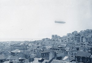 Foto do dirigível Hindenburg sobre Lisboa