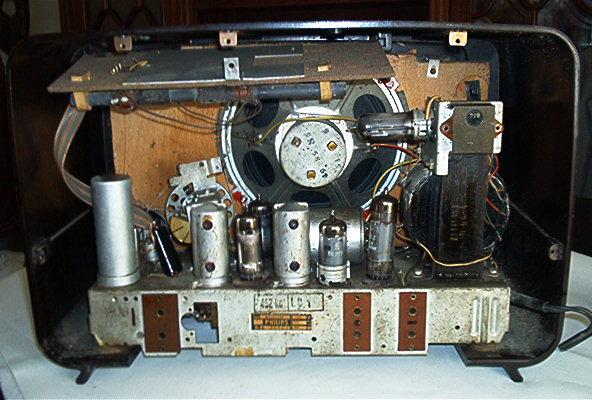 Philips BX427A10 visto por trás