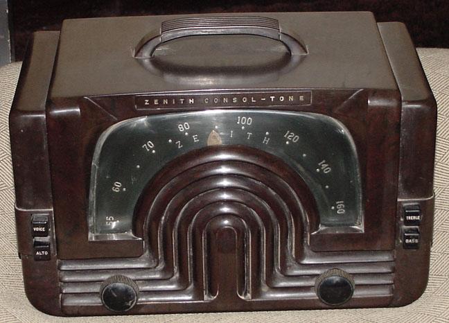 Foto de um rádio Zenith
