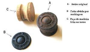 Sparton, réplica de um botão de madeira gravado método