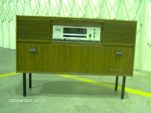 Telefunken Sonata rádio no móvel