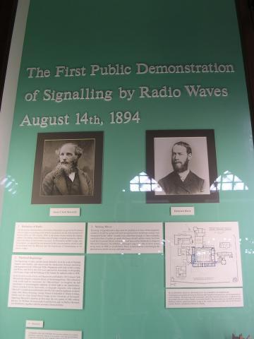 1ª Emissão radioeléctrica