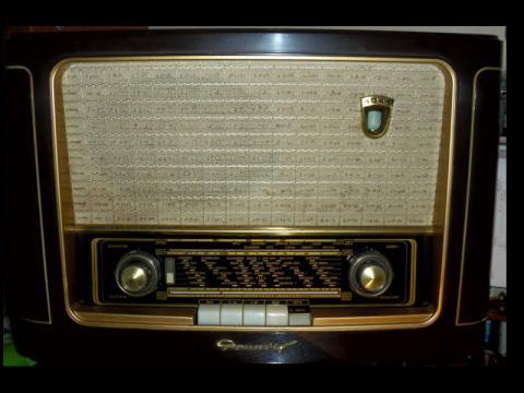 Rádio GRUNDIG 1041W
