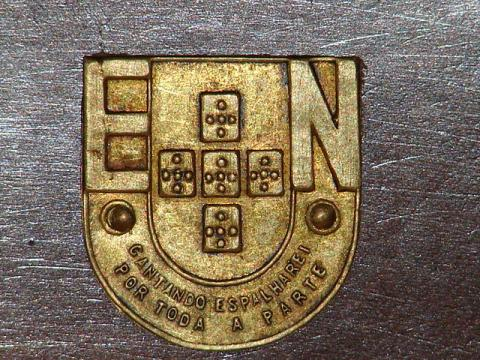Recetor da Emissora Nacional detalhe do logo