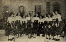 Foto coro feminino da Emissora Nacional